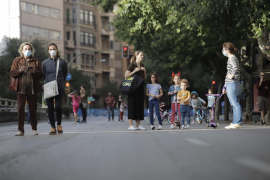 Cort adelanta el cierre al tráfico de calles para los menores