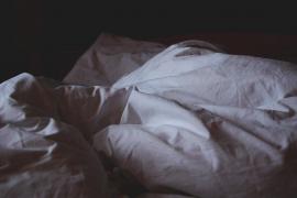 ¿Insomnio, pesadillas o ansiedad? La higiene del sueño es clave en el confinamiento