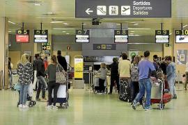 El Gobierno levanta las restricciones a vuelos y barcos procedentes de Italia