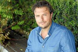 La productora Backstage ficha a Tirso Calero, creador de 'Servir y proteger'