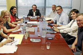Patronal y sindicatos de hostelería esperan llegar hoy a un acuerdo que evite la huelga