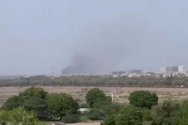 Un avión de pasajeros se estrella en una zona residencial al sur de Pakistán