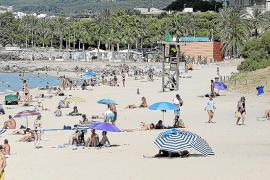 Cort recupera servicios y reabre las playas sin medidas de seguridad apelando a la responsabilidad