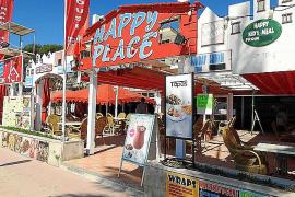 Ponen a punto los bares en Punta Ballena, mayoritariamente cerrados