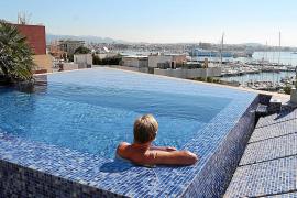 El número de piscinas en terrazas se ha triplicado en la última década en Palma