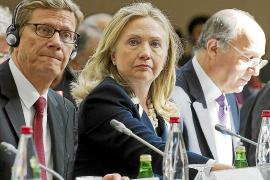 Clinton dice que a Rusia y China les saldrá caro su apoyo al régimen de Asad
