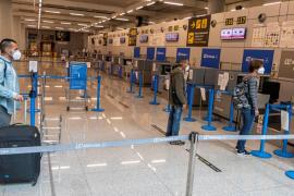 Reyes Maroto aclara que la cuarentena a turistas se suprimirá al acabar el estado de alarma