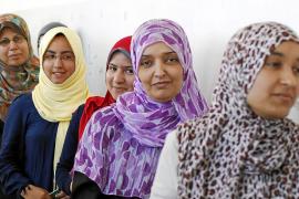Libia vota bajo la sombra de la división y en medio de sabotajes