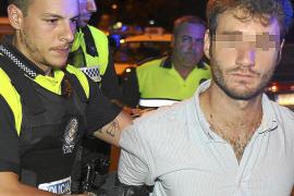 Detenido un conductor que triplicó la tasa de alcoholemia y chocó con un taxi en Palma