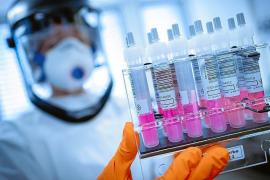 Las compañías farmacéuticas prueban en humanos 10 vacunas contra la COVID-19