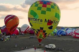 Los globos aerostáticos y el turismo activo echan a volar en Baleares
