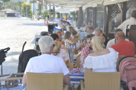 El proyecto piloto prevé traer en junio hasta 3.000 turistas extranjeros