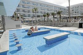Cuatro cadenas hoteleras realizarán pruebas piloto con turistas en Baleares