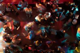 Bailes con mascarillas y pistas perimetradas en la reapertura de discotecas