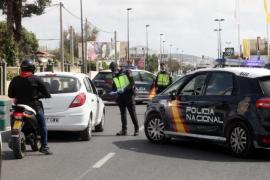 Detenido en Ibiza por desnudarse en plena calle