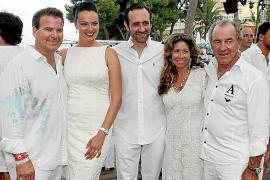 Gran fiesta blanca de inauguración de Nikki Beach Mallorca