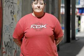 Vanesa García: «Mis amigas me compran comida o me dan dinero para comer»