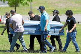 Estados Unidos supera la trágica barrera de los 100.000 fallecidos