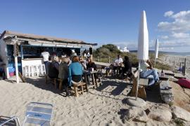 Formentera autoriza la apertura de los chiringuitos de playa a partir del lunes