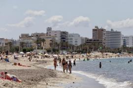 Primer fin de semana de playa en Mallorca con algunas incidencias