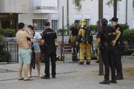 Diez intoxicados y un hospitalizado en un incendio en un edificio de ocho plantas en La Soledat