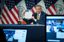 El alcalde de Nueva York confirma el arresto de su hija en las protestas y no descarta el toque de queda