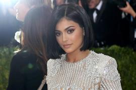 Forbes le quita el título de billonaria a Kylie Jenner por sus «mentiras»