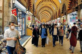 El Gran Bazar de Estambul reabre tras dos meses de cierre