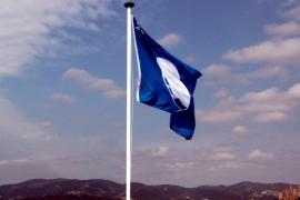 Los puertos y clubes de Balears reciben 21 banderas azules