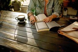 Escritores, un oficio plagado de baches