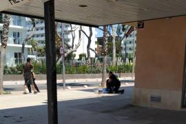 Herido grave tras precipitarse desde un cuarto piso en la Playa de Palma