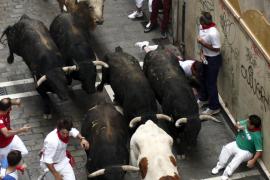 Los toros de Fuente Ymbro protagonizan  una carrera limpia y sin heridos por asta