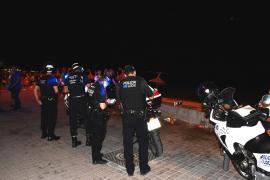 El oficial de la Policía Local denuncia sobrecostes en el refuerzo de verano