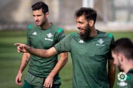 El sonoro 'zasca' de un futbolista al creer sus aficionados que es homosexual