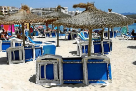 Manacor prescinde de hamacas y sombrillas para promocionar sus playas como 'libres de virus'