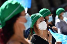 Los contagios globales diarios llegan a casi 130.000 casos, un nuevo récord