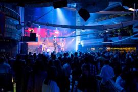 Las discotecas y los bares de ocio nocturno podrán abrir en fase 3 con limitaciones