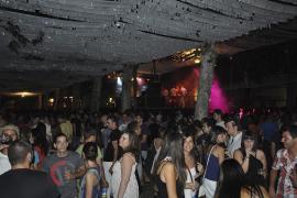 Sa Pobla sustituye la fiesta 'disco' Studio 54 por un baile de salón para evitar el botellón
