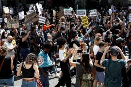 Miles de personas se manifiestan en Madrid contra el racismo