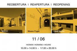 Cartel informativo de la apertura de los museos.