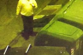 Dos hombres aceptan ocho años y medio de cárcel por incendiar contenedores en Palma