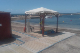 Abren los seis puntos de baño accesible en las playas de Palma, con cita previa