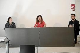 Catalina Solivellas, Pilar Costa y Mateu Malondra, en Ca n'Oleo.