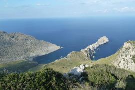 Medi Ambient revisará las zonas de exclusión que impiden llegar a Cala Castell