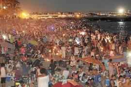 Cort baraja cerrar las playas o limitar su aforo para la Revetla de Sant Joan