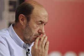 Rubalcaba advierte al Gobierno de que puede perder la «mayoría social»