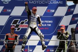 Contundente victoria de Lorenzo en Italia