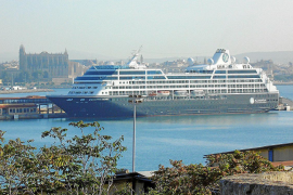 Cada crucero con base en el puerto de Palma consume 628.000 litros de agua por amarre