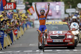 León Sánchez da a España el primer triunfo de etapa