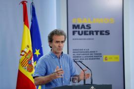 Fernando Simón pide a quienes venden camisetas con su imagen que donen una parte a ONGs